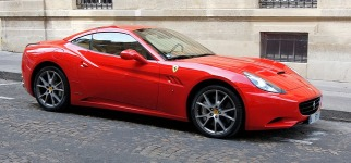 ferrari-california-554819_640.jpg